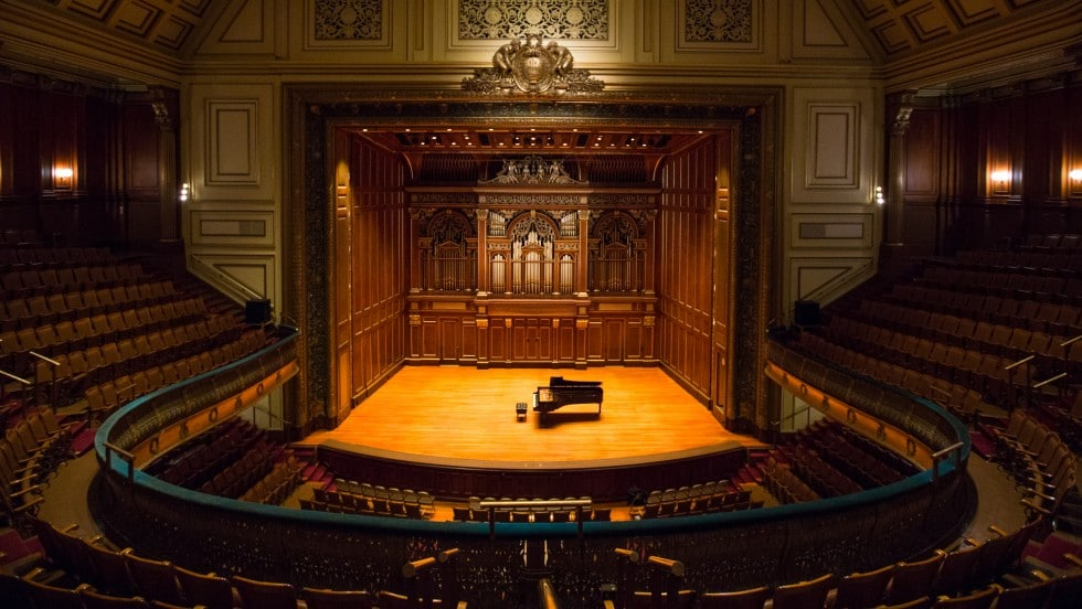 Shock: Boston shuts hall into 2021