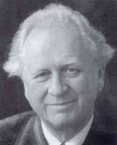 A Vienna Opera chorusmaster has died, at 92