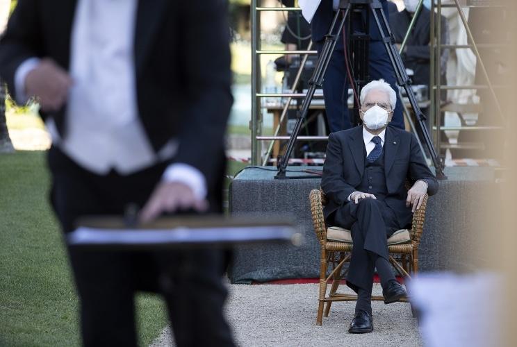 Gatti conducts Rome concert 'in maschera'