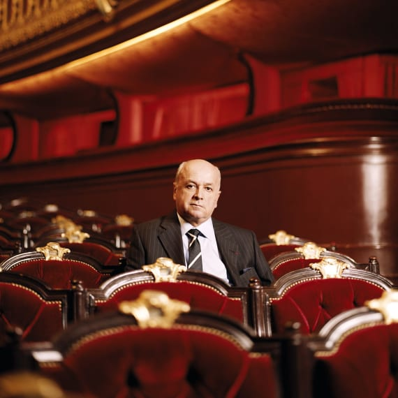 Death of French opera chief, 67
