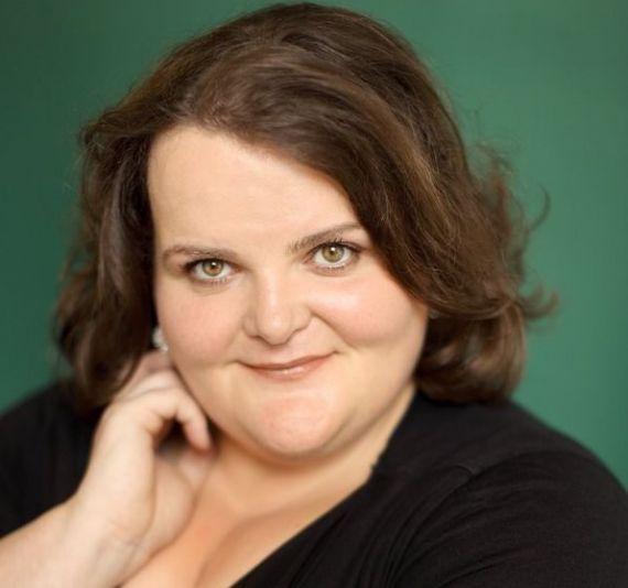 Sudden death of an Irish opera star, 48