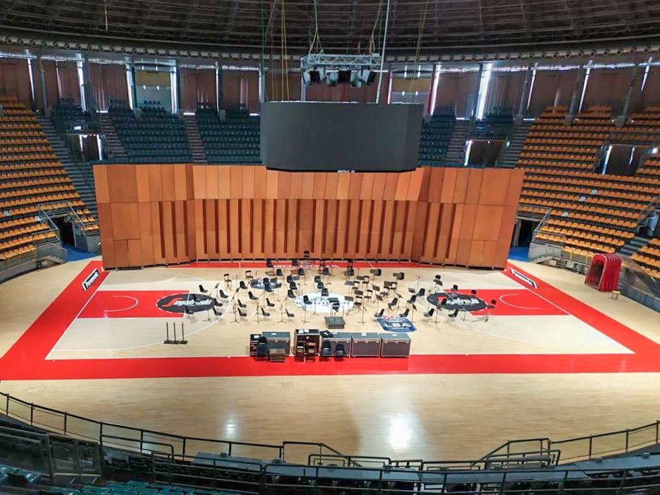 Scoop! Italian opera house moves into sports stadium