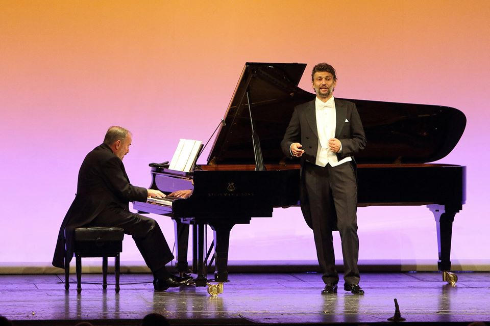 Jonas Kaufmann offers donation to Covid-hit artists
