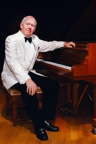 British pianist retires at 70