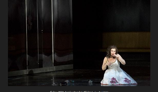 Salzburg opens with 'phenomenal' Elektra