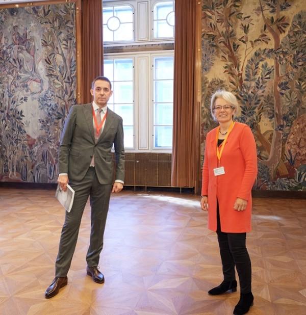 Vienna's new chief needs new suit