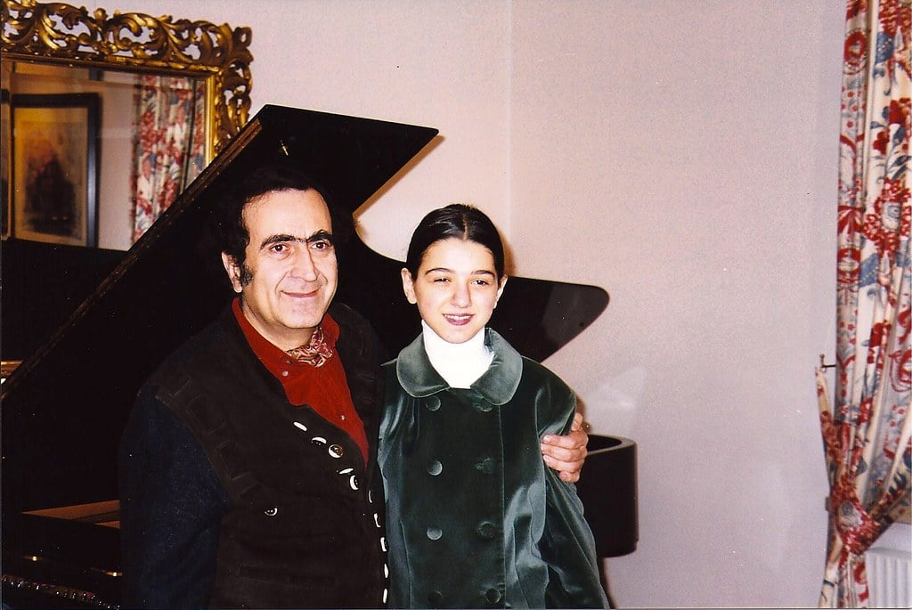 Stars when they were young (7): Khatia confronts her teacher