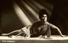 Death of international soprano, 94