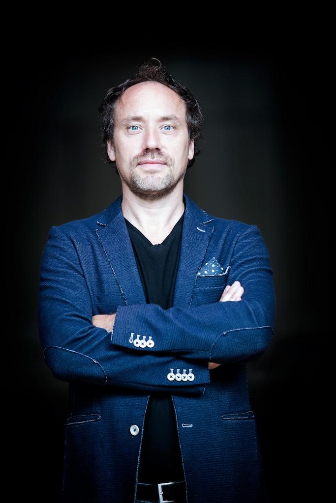 Maestro move: Dutch go Dutch