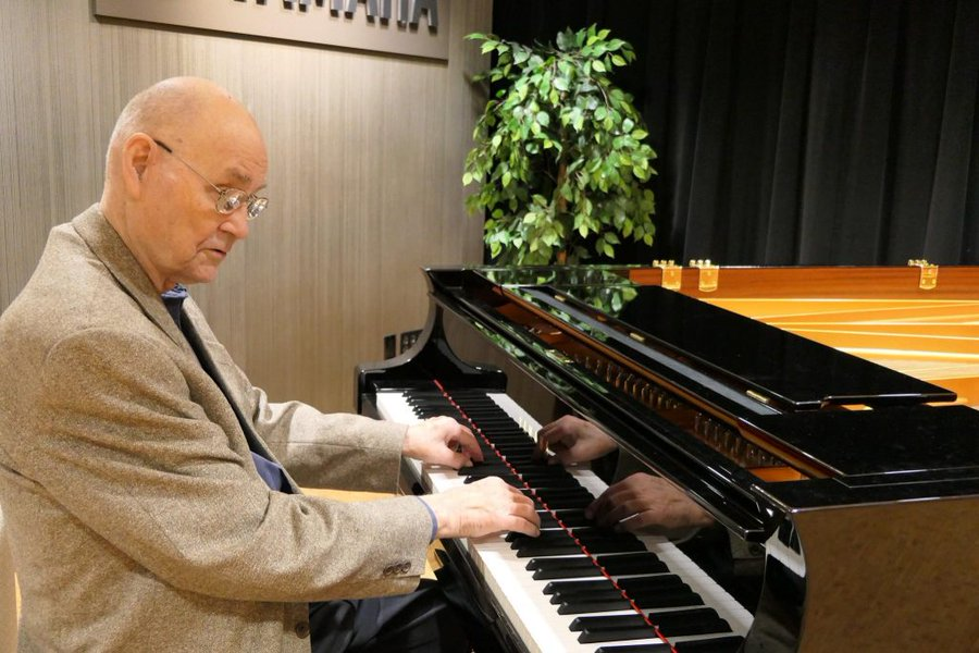 Death of Glenn Gould's blind piano tuner
