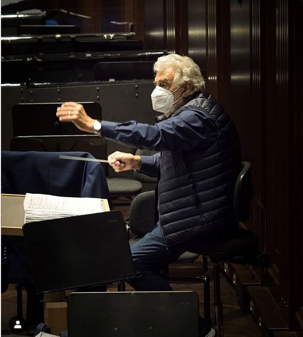 Placido Domingo calls in sick