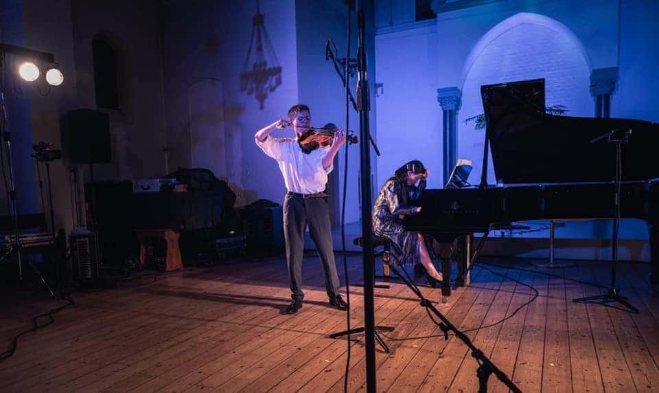 Danish viola wins contest chaired by Danish professor