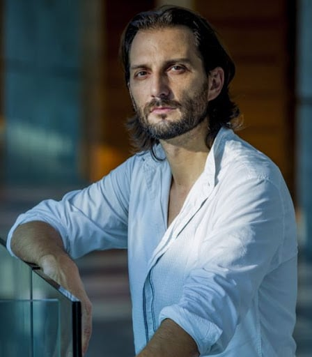 Italian baritone is isolated for a month in Shanghai