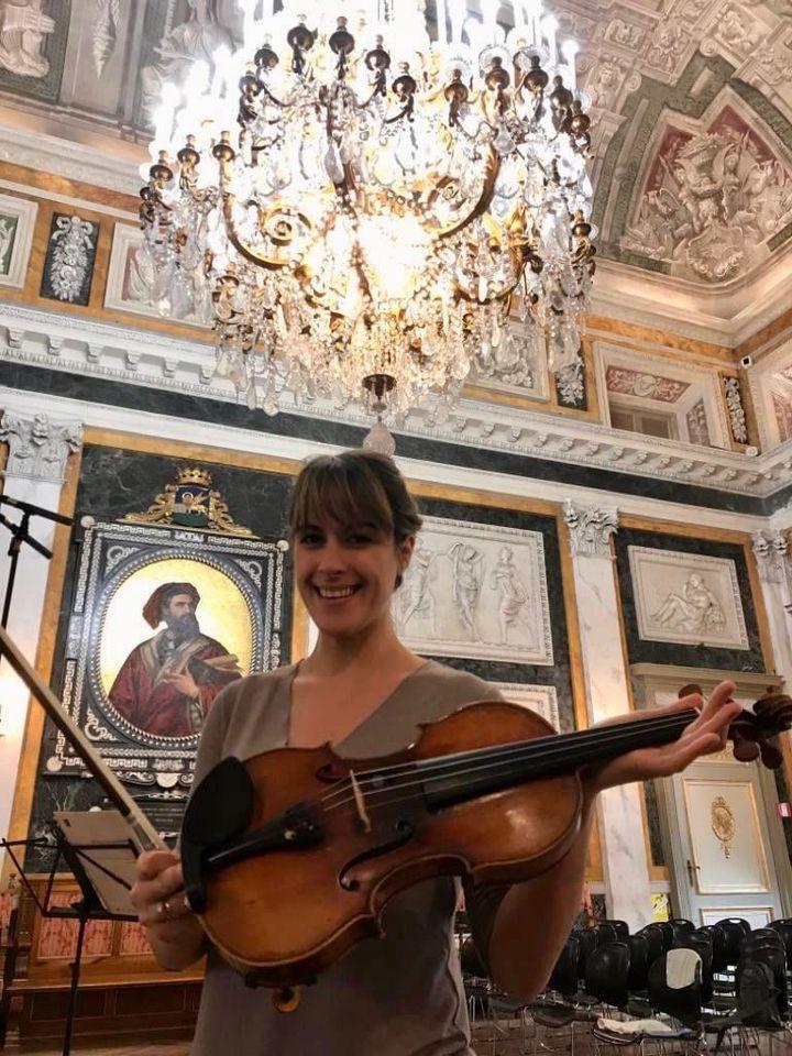 Italian violinist wins UK record contract