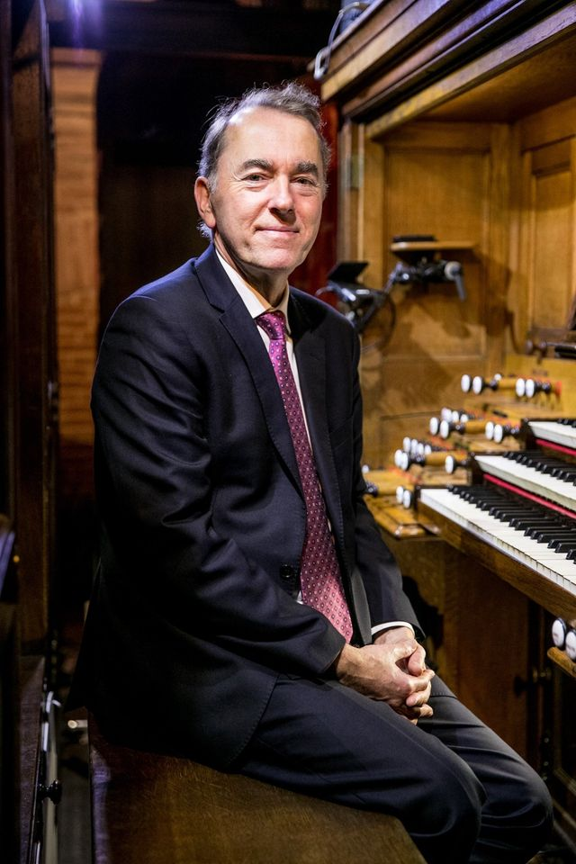 Queen's Medal goes to organ star