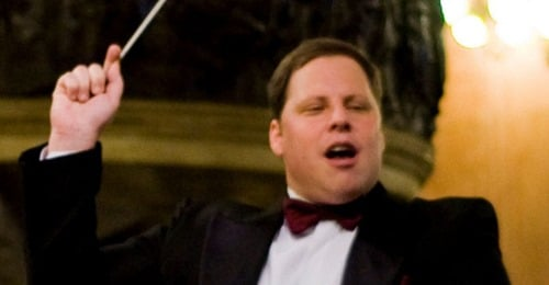Music director dies in Portugal, at 46