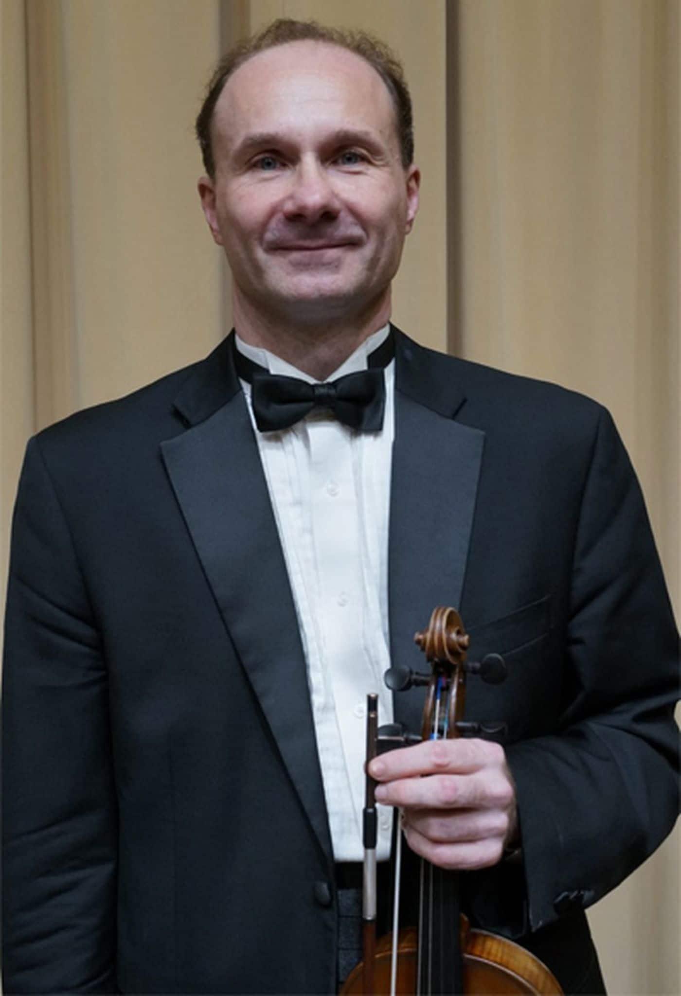 US concertmaster offers $5,000 for return of stolen violin