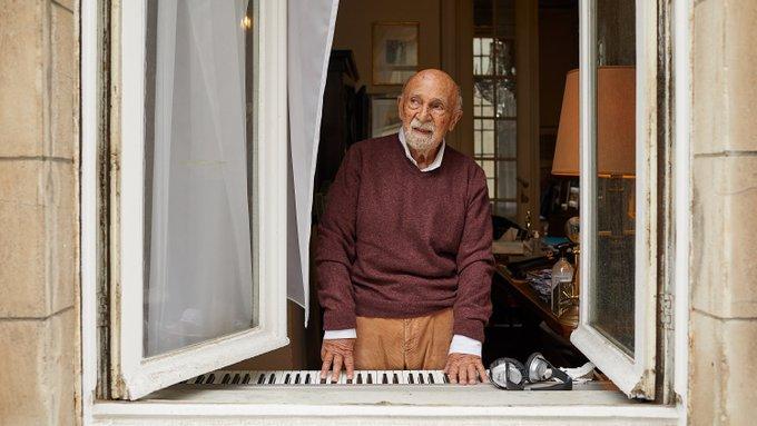 Auschwitz escapee plays piano in lockdown