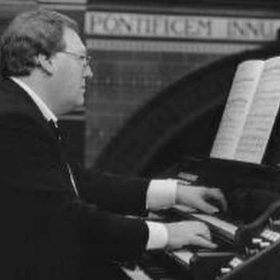 Amsterdam's English organist dies of Covid, aged 69