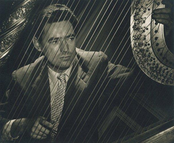 Britten's harpist dies, 92