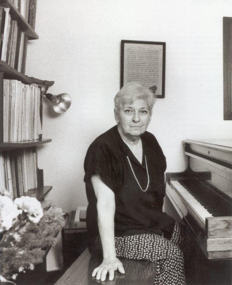 Israelis mourn a Met soprano, 88