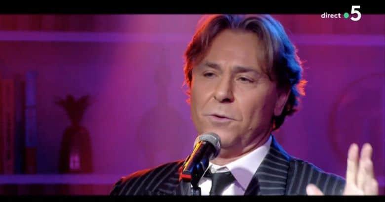 Top tenor breaks down on live TV