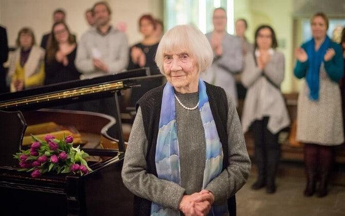 Estonia mourns composer, 99