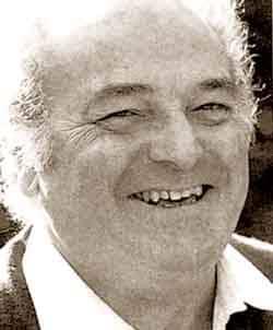 Death of popular baritone, 92