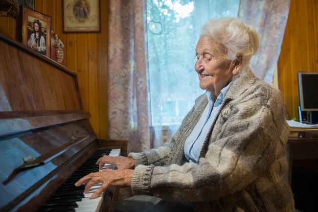 Ukraine mourns national pianist, 100