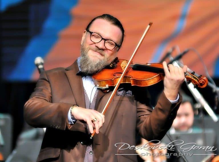 Soloist, 53, dies of Covid