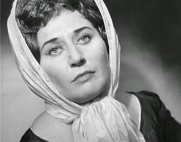 Czechs mourn great soprano, 96