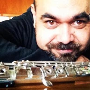 Famed flute dies in his 40s