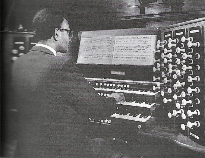 English cathedral mourns organist