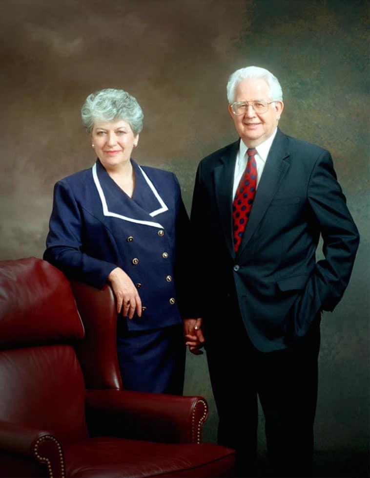 Mormon Tabernacle Choir chief dies of Covid-19