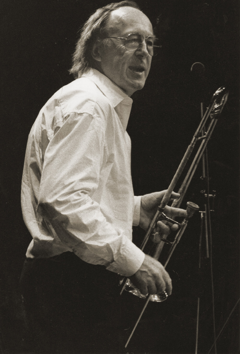 British jazz mourns Chris Barber, 90