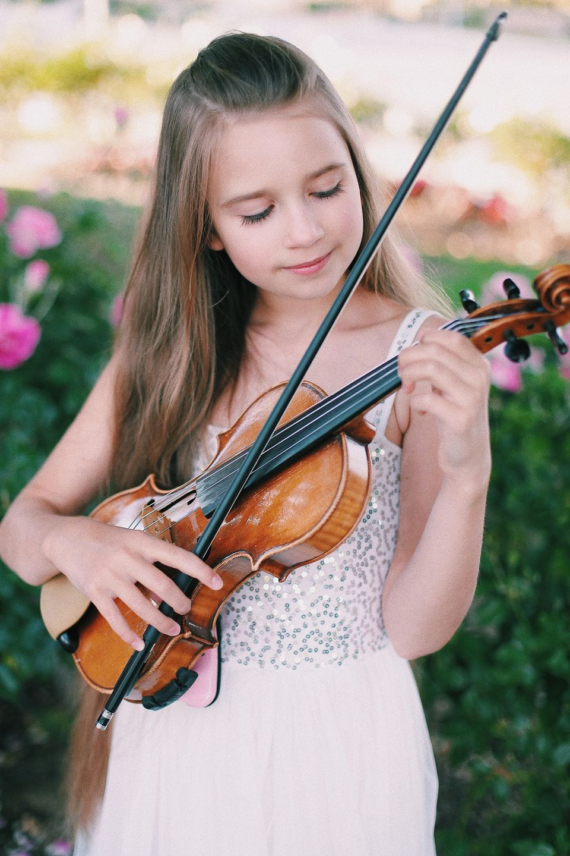 Viral violinist is star of Godtube