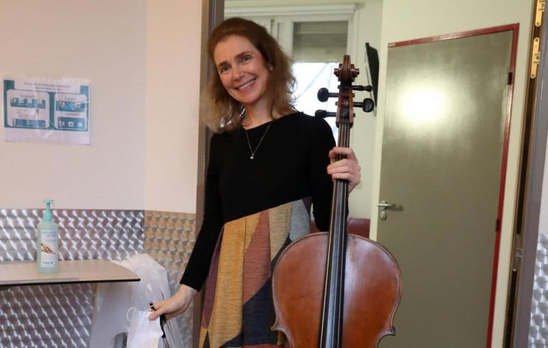 A cellist at the end of life