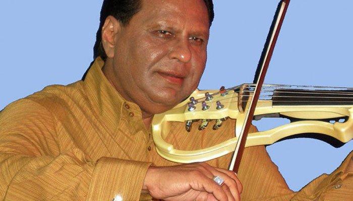 Violinist dies between flights