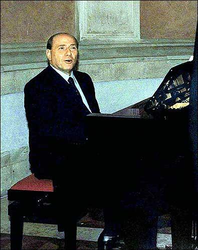 Don't shoot Berlusconi's pianist