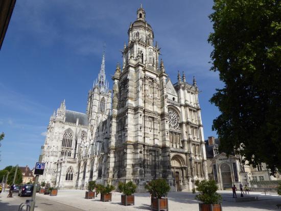 Tragic death of top organist, 56