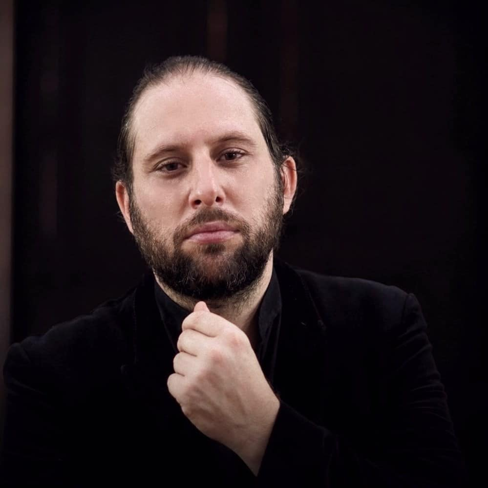 Heartrending message from Spanish conductor, 41, dying of Covid in India