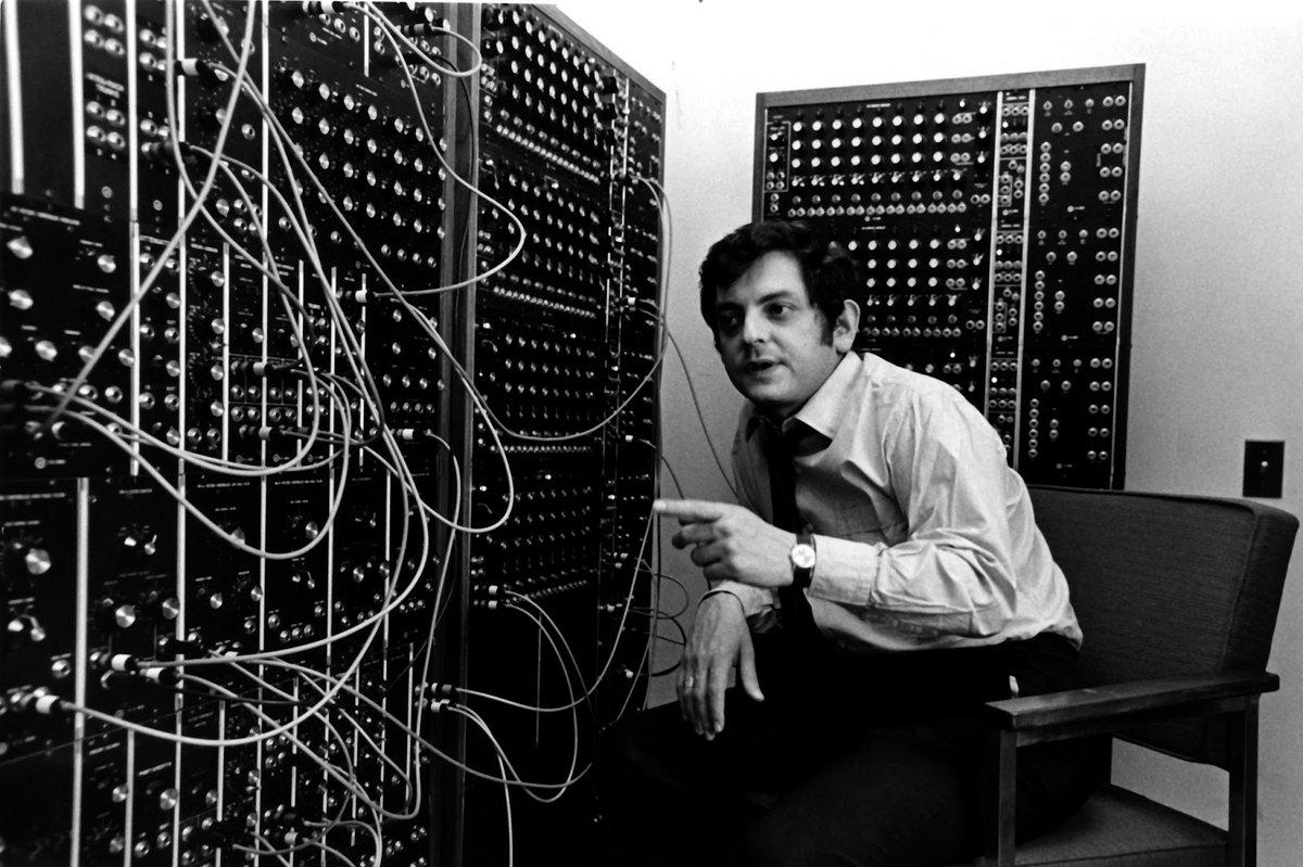 Moog master dies, 82