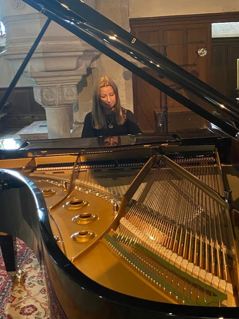 Pianist cancels concerts over ban on non-vaccinated audience