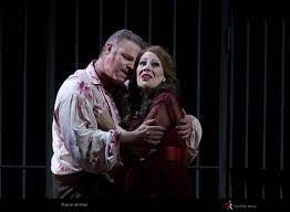 Tosca tonight from Teatro Real
