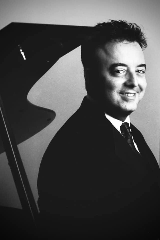Sudden death of New York piano guru, 64