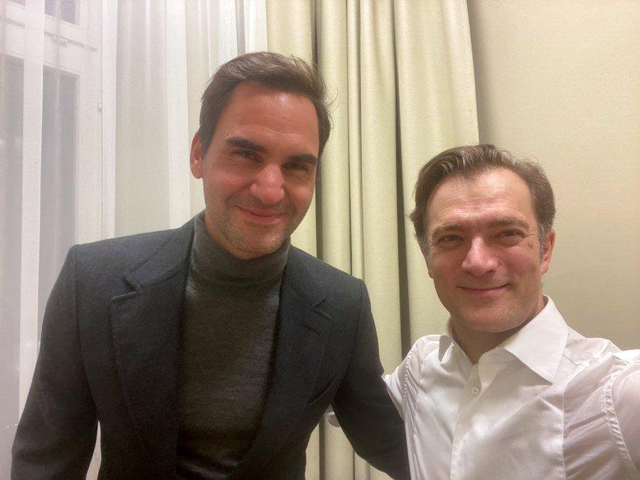 Roger Federer is still the biggest violin fan